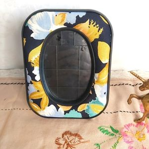2 /$15 Vintage Floral Cushion Fabric Picture Frame